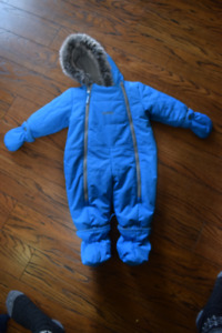 Oshkosh Snowsuit (6-9 months but fits big so more like up to 12)