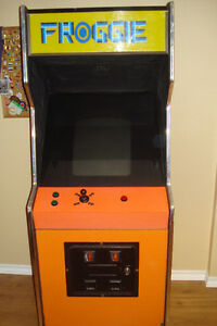Stand Up Video Game With Cabinet Windsor Region Ontario image 3