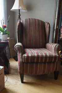 Reclining wing back chair