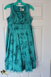 Girls turquoise formal dress size 16 *Only worn once!