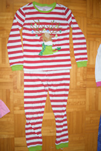 Lot Pyjama fille 7 ans automme/ pajama girl 7 years automme