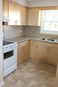 NOVEMBER 1 AVAILABLE!! CLEAN, RENOVATED, NEAR HIGHWAY!