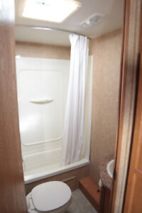 2011 Heartland Trail Runner 26FQB 26' Travel Trailer