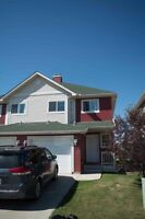 4 Bedroom Townhouse in Airdrie Bayside
