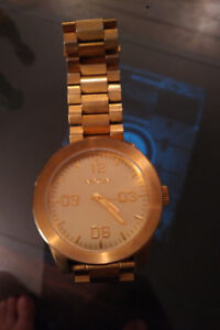 NIXON TAKE CHARGE THE CORPORAL GOLD WATCH WITH BIG FACE