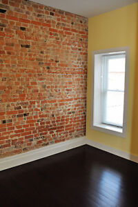 571-A Princess St - 3 Bedroom + Den - RENTING FOR AUG/SEP 2017!