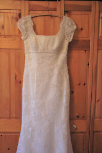 *NEW PRICE* WEDDING DRESS - Hand beaded Italian lace - size 12