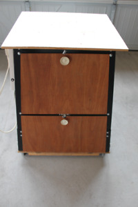 BENCH TOP TOOL STAND WITH STORAGE