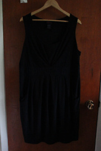 Little black dress with pockets