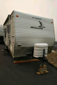 2006 Fleetwood Mallard 20ft Travel Trailer