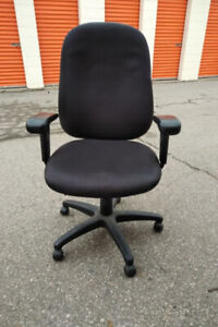 pre-owned ergonomic office chair