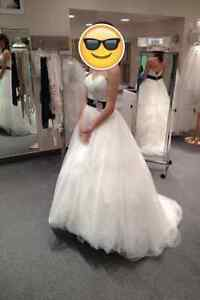 NEW LOWERED PRICE - Jacqueline Exclusive Wedding Gown Cambridge Kitchener Area image 4