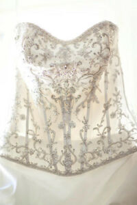 Size 10 Wedding dress Oakville / Halton Region Toronto (GTA) image 2