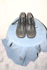 Keen size 13 men's  worn once