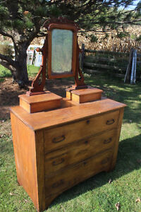 Old 3 Drawer Dresser with Mirror London Ontario image 2