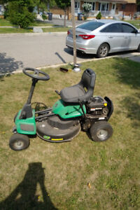 LAWN EATER 30 INCH RIDING LAWN MOWER LIKE NEW !!