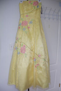Beautiful Yellow Grad Dress