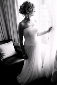 Stunning Vera Wang - White Collection Wedding Gown