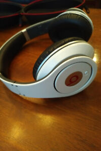 Beats By Dre - Studio Wired Headphones - White, w/case
