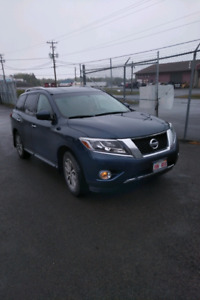 2014 Nissan Pathfinder SV AWD with 63,000kms. Excellent conditio