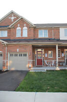 Beautiful executive townhouse in desirable Milton for Lease