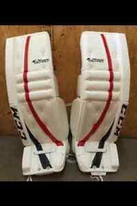 Brand New Never Used Pro Return CCM Goalie Pads