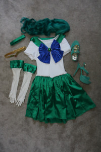 Sailor Neptune cosplay from Sailor Moon