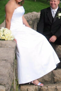 "Venus white strapless ""A Line"" Wedding Dress"