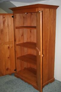 Beautiful Pine Armoire/Wardrobe w/Shelves West Island Greater Montréal image 4