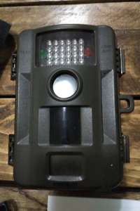 Hunting Camera including memory card and batteries