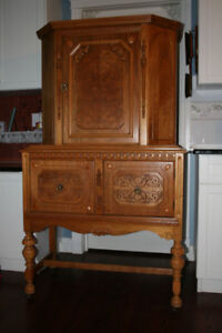 ANTIQUE CHINA CABINET COURT CUPBOARD