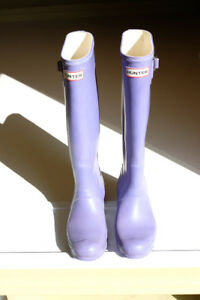 Hunter fashion rain boots (Women's 8)