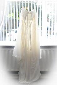 Beautiful wedding dress size 24