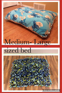 Pet beds and pet blankets for sale