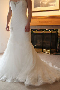 Beautiful Sophia Tolli lace wedding dress, never worn