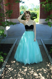PROM DRESS size small !!!