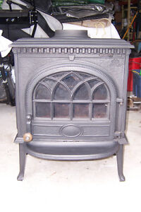 Jotul Cast Iron Wood Stove - Model 3 -  Like New!