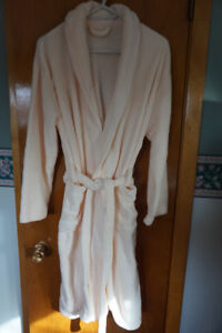 NEW ladies housecoat