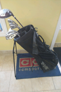 Used Mens right hand golf set with bag