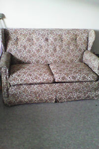 Hidabed love seat