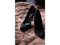 stunning Kurt Geiger black shoes heels Size 5 38 designer heels