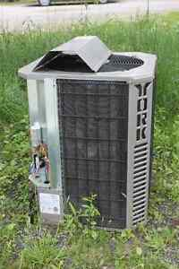 REDUCED!!! - Outdoor Air Conditioning Condenser