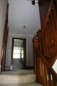 House with rooms to rent