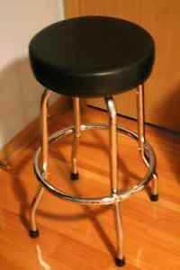 Guitar Stool Kijiji Free Classifieds In Ontario Find A
