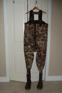 Cabela Duck Huntin Camo and Fishing Gear - Men's Large Regular
