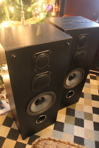VIVID ES495 3 WAY TOWER SPEAKERS