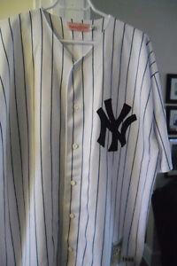 NY Di maggio jersey.