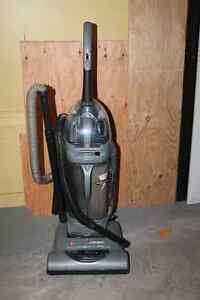 Aspirateur  Marque Hoover