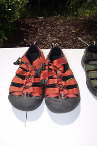 Keen  sandals shoes in orange color, size 2