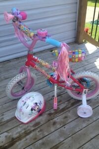 Girls 12 in minnie mouse bicycle